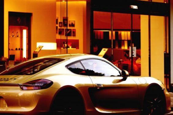 高級車の写真。イメージです。