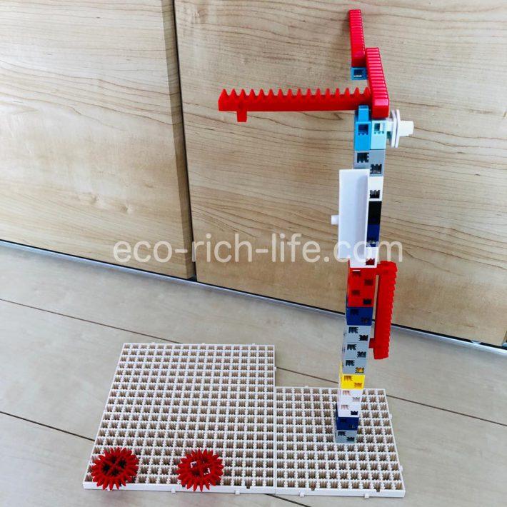 アーテックブロックの作品例。今回は完全に子供だけで作りました。にゃんにゃんの家です。
